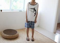Today's Hot Pick :♬三色可选♬个性鲨鱼图案露背系带背心 http://fashionstylep.com/P0000SIL/gobubble/out 升级版个性背心,打造清凉季节!~ 简约版型,撞色包边设计,更显精致~ 霸气鲨鱼图案,张扬你的不羁性格~ 衣摆系带设计,独具匠心,凸显它的与众不同~ 小露背设计,内搭基本款背心,更有范哦~ 你的清凉夏日个性首选! -背心- -露背- -鲨鱼图案- -下摆系带-