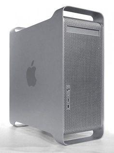 2003 – PowerMac G5. Torre profesional, primer PC de 64 bits, el ordenador Apple más potente comercializado hasta entonces