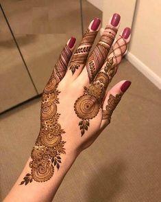 Simple Mehndi Designs Fingers, Back Hand Mehndi Designs, Finger Henna Designs, Mehndi Designs 2018, Mehndi Designs For Girls, Mehndi Designs For Beginners, Mehndi Design Photos, Dulhan Mehndi Designs, Unique Mehndi Designs