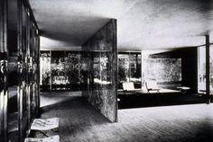 ddc11906d351d7 Mies van der Rohe – Polished Onyx Walls in Barcelona Pavilion – 1929 –  adapts exterior