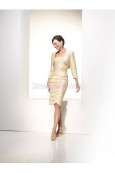 Champagne Strapless Sleeveless Knee-length Satin Mother Of The Bride Dresses With Tiered MD2615