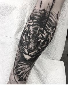 23 Ideas for tattoo designs drawings tiger Tiger Tattoo Design, Tattoo Design Drawings, Tattoo Sketches, Tattoo Designs, Forearm Tattoos, Body Art Tattoos, Girl Tattoos, Tattoos For Guys, Tattoo Arm