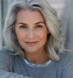 26 New Ideas Womens Fashion Over 50 Aging Gracefully Over 50 Ageless Beauty Grey Hair Over 50, Long Gray Hair, Curly Gray Hair, Silver Grey Hair Gray Hairstyles, Hair Day, New Hair, Color Del Pelo, Curly Hair Styles, Natural Hair Styles