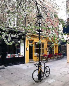 Mayfair, London.-