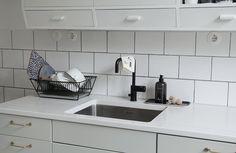 Maiju <3 Dermosil Kitchen Cabinets, Kitchen Appliances, Scandinavian Home, Stove, Interior, Home Decor, Diy Kitchen Appliances, Home Appliances, Decoration Home