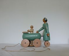 50's wooden mother & baby pull-toy