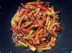 Retete asiatice Shanshi The Asian Connection Pork Recipes, Asian Recipes, Cooking Recipes, Healthy Recipes, Ethnic Recipes, Healthy Food, Wok, Chinese Food, Meal Prep