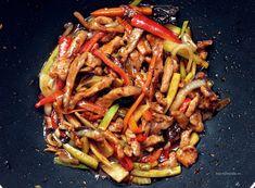 Retete asiatice Shanshi The Asian Connection Pork Recipes, Asian Recipes, Cooking Recipes, Healthy Recipes, Ethnic Recipes, Healthy Food, Wok, Chinese Food, Stir Fry