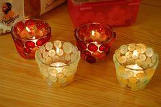 castiçal com copo de vidro e botões #criativo                                                                                                                                                     Mais