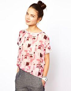 Discover the latest fashion and trends in menswear and womenswear at ASOS. Shop this season's collection of clothes, accessories, beauty and more. Asos Online Shopping, Latest Fashion Clothes, Women Wear, T Shirt, Beauty, Collection, T Shirts, Tee Shirt, Cosmetology