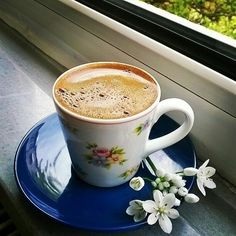 Coffee is my one weakness❤ Chocolate Sweets, Chocolate Coffee, Coffee And Books, I Love Coffee, Good Morning Coffee, Coffee Break, Coffee Cafe, Coffee Drinks, Wednesday Coffee