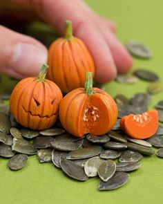 """""""New video up! Watch me sculpt #miniature #pumpkins  Working on something creepier for next week and something more nuts as well. https://youtu.be…"""""""