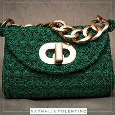 64dbe4877 A bolsa Mírian,agora no tamanho menor é puro luxo e um must-have