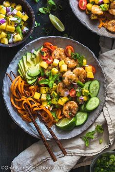Shrimp Salad Bowl with Mango Salsa - A scrumptious salad bowl that turns leftovers into a paleo bowl of deliciousness packed with nutrition. (Coconut aminos instead of soy) Lunch Recipes, Seafood Recipes, Paleo Recipes, Dinner Recipes, Cooking Recipes, Paleo Meals, Cooking Ideas, Mango Salsa, Healthy Eating