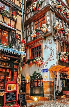 Strasbourg France Photo by Via: . All Strasbourg France Photo by Via: . All rights and credits reserved to the respective owner(s) Days Until Christmas, Christmas Town, Winter Christmas, Merry Christmas, Christmas Villages, Xmas, Christmas Mantles, Christmas Markets, Victorian Christmas
