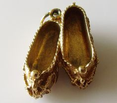1963 Vintage Gold  Slippers Charm Hallmark ZLd London year 1963.