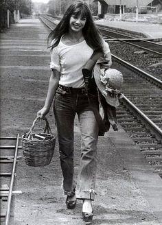December 14, 1946... Jane Mallory Birkin was born in London, England.