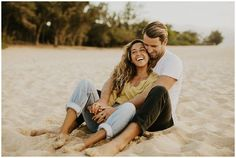 20 Sweet and Romantic Beach Engagement Photo Ideas to Copy Couples Beach Photography, Candid Photography, Engagement Photography, Beach Poses For Couples, Posing Couples, Levitation Photography, Friend Photography, Exposure Photography, Water Photography