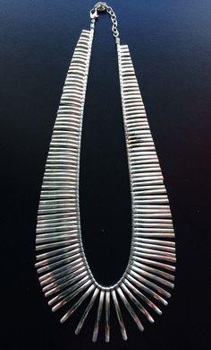 Silver Fringe ketting, zogenaamde ketting, statement sieraden, bruiloft sieraden, Summer Verklaring Ketting door Taneesi door taneesijewelry op Etsy https://www.etsy.com/nl/listing/513826145/silver-fringe-ketting-zogenaamde-ketting