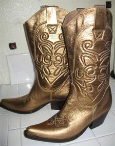 """Penny Loves Kenny Western Boots Cowboy Gold Leather Brazil """"High Noon"""" size 9 M Western Boots, Cowboy Boots, Gold Boots, High Noon, Gold Leather, Westerns, Brazil, Globe, Buy And Sell"""