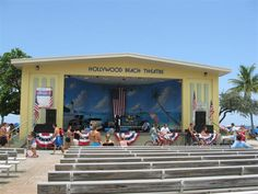 Music and Dancing Under the Stars is held every Monday, Tuesday and Wednesday evening. The Boardwalk Friday Fest and Saturday's Bandstand are presented by the City of Hollywood and Hollywood Community Redevelopment Agency.
