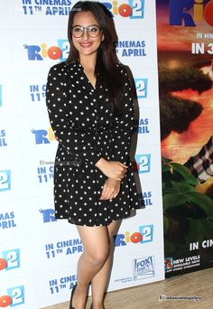 sonakshi-sinha-at-the-special-screening-of-Rio-2-(6)