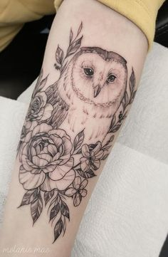 50 of the most beautiful owl tattoo designs and their meaning for the nocturnal animal in him . - 50 of the most beautiful owl tattoo designs and their meanings for the nocturnal animal in you, - Form Tattoo, Model Tattoo, Shape Tattoo, New Tattoo Designs, Floral Tattoo Design, Design Tattoos, Floral Tattoos, White Tattoos, Neue Tattoos