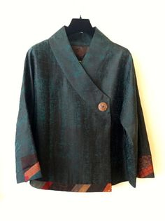 Cross yoke one button jacket