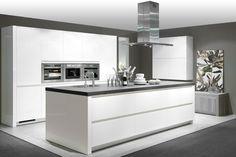 23 Clever DIY Christmas Decoration Ideas By Crafty Panda Kitchen Diner Extension, Kitchen Inspirations, Kitchen Cabinet Design, Kitchen Projects, White Kitchen, Kitchen Decor, Kitchen Room Design, House Interior, Modern Kitchen Design