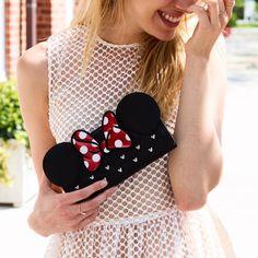 Minnie clutch!