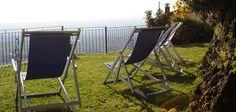 Giardino, Terrazza su Roma, Solarium Outdoor Chairs, Outdoor Furniture, Outdoor Decor, Folding Chair, Terrazzo, Home Decor, Rome, Decoration Home, Room Decor