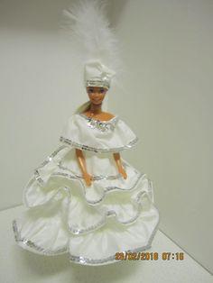 Itsetehdyt Barbien vaatteet. Baiana, valkoinen juhlapuku.  ( barbien vaatteita,  barbie nukenvaatteet, diy idea dance, mama baiana bahia samba carnaval )