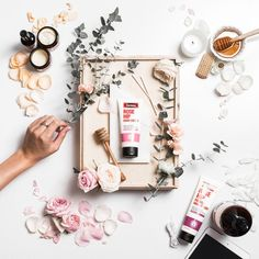 What takes a flat lay?