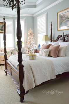 Romantic Bedroom Decor Ideas to Make Your Home More Stylish on a Budget - The Trending House Traditional Bedroom Decor, Traditional House, Traditional Kitchens, Cozy Bedroom, Bedroom Sets, Teen Girl Bedrooms, Teen Bedroom, Luxurious Bedrooms, Beautiful Bedrooms