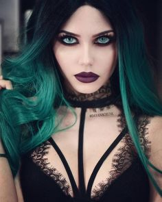 Model: Dayana Melgares Wig: EverydayWigs Welcome to Gothic and Amazing…