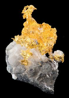 Native Gold on Quartz and Arsenopyrite with a Slate base