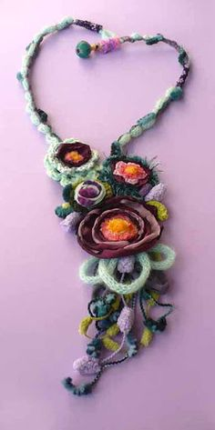 textile necklace - collana tessile