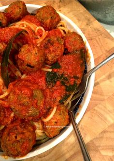 I don't wish to blow my own trumpet, but this is the best spaghetti with vegan balls I have ever tasted – in fact my husband said it's the best he has ever had, both in vegan and non-vegan cuisine. A masterpiece in taste, texture, aroma, colour and mouth-feel. Just make it and see for yourself ! Enjoy !  INGREDIENTS FOR THE MEATBALLS 2 slices of brown bread (whizzed into breadcrumbs) 1½ cups vegan […]
