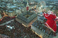 ♡ https://www.facebook.com/lillemaville.lille?ref=hl Photo archive de 2009. Descente du Père Noël