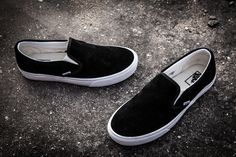 acf2de2b5b Buy Vans Suede Slip-On Classic Black White Womens Shoes Super Deals from  Reliable Vans Suede Slip-On Classic Black White Womens Shoes Super Deals  suppliers.