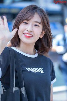 Kim Kai, Cant Help Falling In Love, Yu Jin, K Pop Star, Asian Cute, Japanese Girl Group, The Most Beautiful Girl, Korean Women, Korean Singer