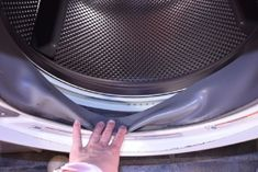 How to get rid of washer stink. A front loading washing machine can have huge issues with mold. But if you've already cleaned it, and there's still a stink, you may want to try this. Clean Black Mold, Remove Black Mold, Diy Cleaning Products, Cleaning Hacks, Stinky Washing Machine, Vinegar In Laundry, Washer Smell, How To Wash Makeup Brushes, Get Rid Of Mold