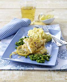 Unser beliebtes Rezept für Fischfilet mit Mandelkruste in Zitronensoße mit Erbsengemüse und Kartoffelpüree und mehr als 55.000 weitere kostenlose Rezepte auf LECKER.de.