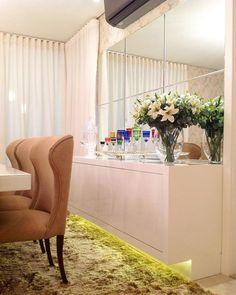 BUFFET E APARADOR PARA SALA DE JANTAR Dinner Room, Interior Decorating, Interior Design, Elegant Homes, Dining Room Design, Dining Area, Apartment Design, Contemporary Interior, Cozy House