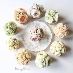 First Birthday Flower Cupcakes🌷🍭💕_  #bloomingblossoms #flowercake #buttercream #koreanbuttercream #handmade #homebaking #cake #instacake #cupcakes #flowers #flowerstagram #wedding #birthday #bridalshower #1stbirthday #gift #event #LA #LAbakingclass #LAflowercake #플라워케이크 #버터크림플라워케이크 #꽃 #꽃스타그램 #LA플라워케이크 #엘에이플라워케이크 #엘에이