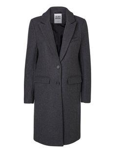 Long woolen coat from VERO MODA. #winter #coat #fashion #style #veromoda
