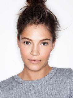 Embrace the no-makeup look! So beautiful.