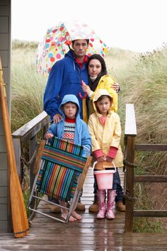 Is it a rainy day during your OBX vacation? Check out these great options.  http://blog.elanvacations.com/bid/372721/Outer-Banks-Vacation-Rainy-Day-Activities-for-Kids