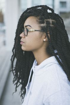 Marley hair is a versatile synthetic hair that can be used for a variety of styles including twists, 'dos &crochet braids. Here's How to style Marley hair guide Box Braids Hairstyles, My Hairstyle, Girl Hairstyles, Hairstyles 2016, Marley Twist Hairstyles, Protective Hairstyles, Marley Braid Hair, Fancy Hairstyles, Medieval Hairstyles