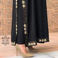 No photo description available. Abaya Designs, Blouse Designs, Abaya Fashion, Indian Fashion, Punjabi Suit Boutique, Embroidery Suits Punjabi, Sleeves Designs For Dresses, Dress Indian Style, Pakistan Fashion